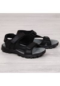 Sandały męskie skórzane na rzepy czarne NEWS. Zapięcie: rzepy. Kolor: czarny. Materiał: skóra