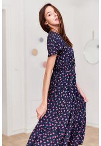 Marie Zélie - Sukienka Modena Pumila. Materiał: bawełna, wiskoza, materiał. Długość rękawa: krótki rękaw. Wzór: aplikacja. Długość: maxi