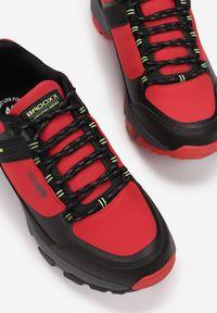 Born2be - Czerwone Buty Sportowe Salomene. Kolor: czerwony