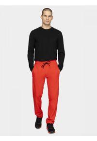 Czerwone spodnie dresowe outhorn