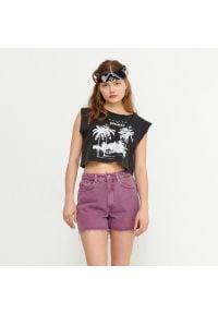 House - Szorty jeansowe z efektem sprania - Fioletowy. Kolor: fioletowy. Materiał: jeans
