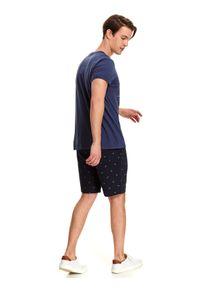 TOP SECRET - T-shirt z nadrukiem. Okazja: na co dzień. Kolor: niebieski. Materiał: bawełna. Długość: krótkie. Wzór: nadruk. Styl: wakacyjny, klasyczny, casual