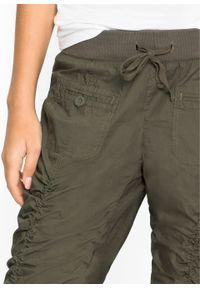 Zielone spodnie bonprix w prążki