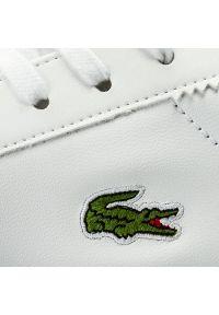 Białe sneakersy Lacoste na co dzień, z cholewką
