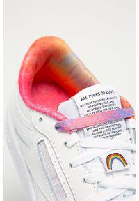 Białe buty sportowe Reebok Classic na średnim obcasie, na obcasie, Reebok Classic