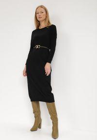 Born2be - Czarna Sukienka Dzianinowa Ololis. Kolor: czarny. Materiał: dzianina. Długość rękawa: długi rękaw. Wzór: jednolity. Styl: elegancki. Długość: midi
