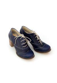 Zapato - sznurowane półbuty na 6 cm słupku - skóra naturalna - model 251 - kolor granatowy retro. Kolor: niebieski. Materiał: skóra. Obcas: na słupku. Styl: retro