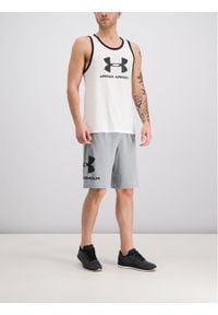 Under Armour Szorty sportowe UA Sportstyle Cotton Graphic 1329300 Szary Regular Fit. Kolor: szary