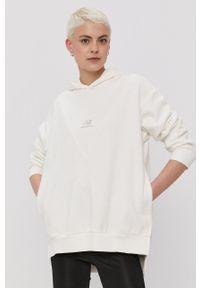 New Balance - Bluza. Typ kołnierza: kaptur. Kolor: biały. Materiał: dzianina. Długość rękawa: długi rękaw. Długość: długie