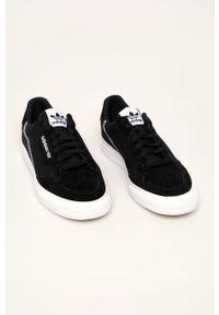 Czarne niskie trampki adidas Originals na sznurówki, z okrągłym noskiem, z cholewką