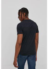 Czarny t-shirt Tommy Jeans na co dzień, z aplikacjami, casualowy