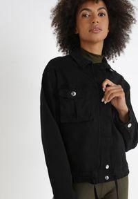 Born2be - Czarna Kurtka Ulivile. Kolor: czarny. Materiał: jeans. Długość rękawa: długi rękaw. Długość: krótkie