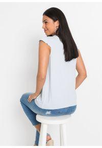 Shirt koronkowy z przyjaznej dla środowiska wiskozy bonprix pudrowy niebieski. Kolor: fioletowy. Materiał: wiskoza, koronka. Wzór: koronka