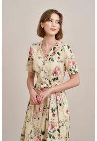 Marie Zélie - Sukienka Alodia Villette kremowa. Kolor: kremowy. Materiał: bawełna, wiskoza, materiał, elastan, skóra. Długość rękawa: krótki rękaw