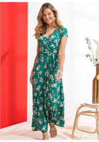 Długa sukienka z założeniem kopertowym bonprix zielony miętowy w kwiaty. Kolor: zielony. Wzór: kwiaty. Typ sukienki: kopertowe. Długość: maxi