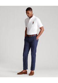 Ralph Lauren - RALPH LAUREN - Biała koszulka z misiem Custom Fit. Okazja: na co dzień. Typ kołnierza: polo. Kolor: biały. Materiał: bawełna, prążkowany. Wzór: haft. Styl: casual, klasyczny