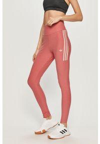 Różowe legginsy adidas Originals z nadrukiem
