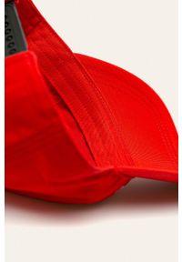 Czerwona czapka z daszkiem Calvin Klein Jeans z nadrukiem