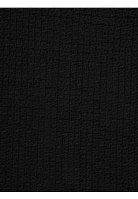 Czarny szalik TOP SECRET w kolorowe wzory