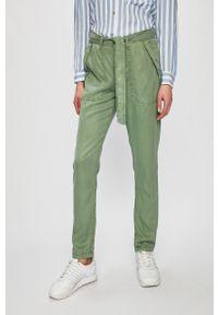 Oliwkowe spodnie materiałowe Pepe Jeans casualowe, na co dzień