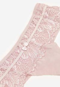 Born2be - Jasnoróżowe Majtki Arathylia. Kolor: różowy. Materiał: koronka, materiał. Wzór: koronka