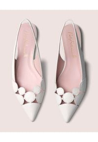 PRETTY BALLERINAS - Białe sandały ze skóry Ella. Okazja: do pracy. Kolor: biały. Materiał: skóra. Wzór: ażurowy, geometria. Styl: klasyczny