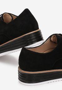 Born2be - Czarne Półbuty Thosoesa. Wysokość cholewki: przed kostkę. Nosek buta: okrągły. Kolor: czarny. Szerokość cholewki: normalna. Wzór: gładki