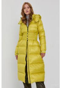 TwinSet - Limonkowa długa kurtka zimowa Twinset. Materiał: poliester. Długość rękawa: długi rękaw. Długość: długie. Sezon: zima