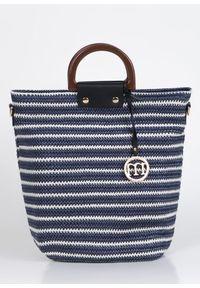 Niebieska torebka Monnari z breloczkiem