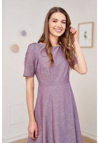 Marie Zélie - Sukienka Aerin oberżynowa oxford. Materiał: bawełna, skóra, materiał. Wzór: ze splotem. Typ sukienki: trapezowe