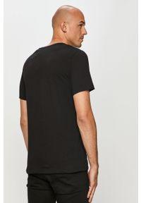 Czarny t-shirt Jack & Jones z nadrukiem, casualowy, na co dzień
