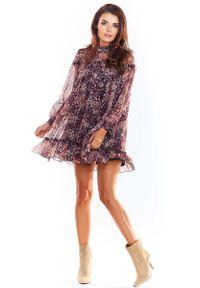 Awama - Luźna Mini Sukienka z Wzorzystego Szyfonu z Falbankami - Wzór 2. Typ kołnierza: kołnierz z falbankami. Materiał: szyfon. Długość: mini