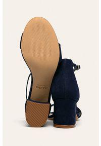 Niebieskie sandały Aldo na klamry