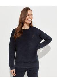 Pinko - PINKO - Czarna bluza z logo Sano. Kolor: czarny. Materiał: dresówka, bawełna. Długość rękawa: długi rękaw. Długość: długie. Styl: elegancki