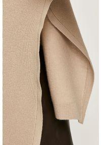 Beżowy sweter MAX&Co. z okrągłym kołnierzem