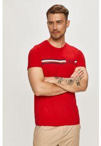 Czerwony t-shirt TOMMY HILFIGER na co dzień, z nadrukiem
