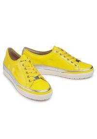 Caprice - Półbuty CAPRICE - 9-23654-26 Yellow Naplak 613. Okazja: na co dzień. Kolor: żółty. Materiał: lakier, skóra. Szerokość cholewki: normalna. Sezon: lato. Styl: casual