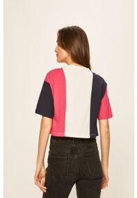 Różowa bluzka Fila z okrągłym kołnierzem, z nadrukiem, na co dzień, casualowa