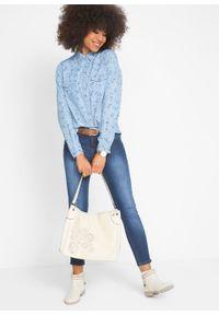 Bluzka dżinsowa, długi rękaw bonprix jasnoniebieski z nadrukiem. Kolor: niebieski. Długość rękawa: długi rękaw. Długość: długie. Wzór: nadruk. Styl: klasyczny