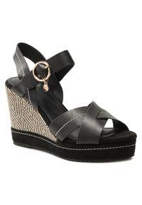 Czarne sandały MEXX