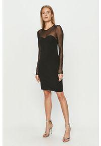 Czarna sukienka Vero Moda z długim rękawem, dopasowana