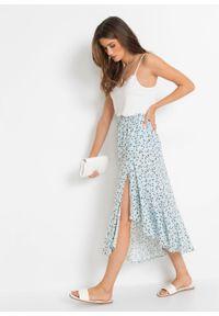Spódnica z falbaną, z przyjaznej dla środowiska wiskozy bonprix pudrowy niebieski w kwiaty. Kolor: fioletowy. Materiał: wiskoza. Wzór: kwiaty