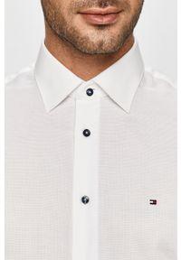 Biała koszula Tommy Hilfiger Tailored elegancka, z klasycznym kołnierzykiem