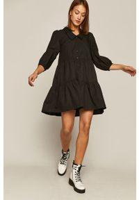 Czarna sukienka medicine prosta, na co dzień