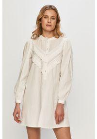 Biała sukienka Jacqueline de Yong mini, gładkie, casualowa, na co dzień