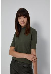 medicine - Medicine - T-shirt Basic. Okazja: na co dzień. Typ kołnierza: golf. Kolor: zielony. Materiał: bawełna, dzianina. Styl: casual