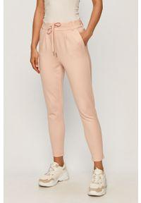 Różowe spodnie materiałowe only