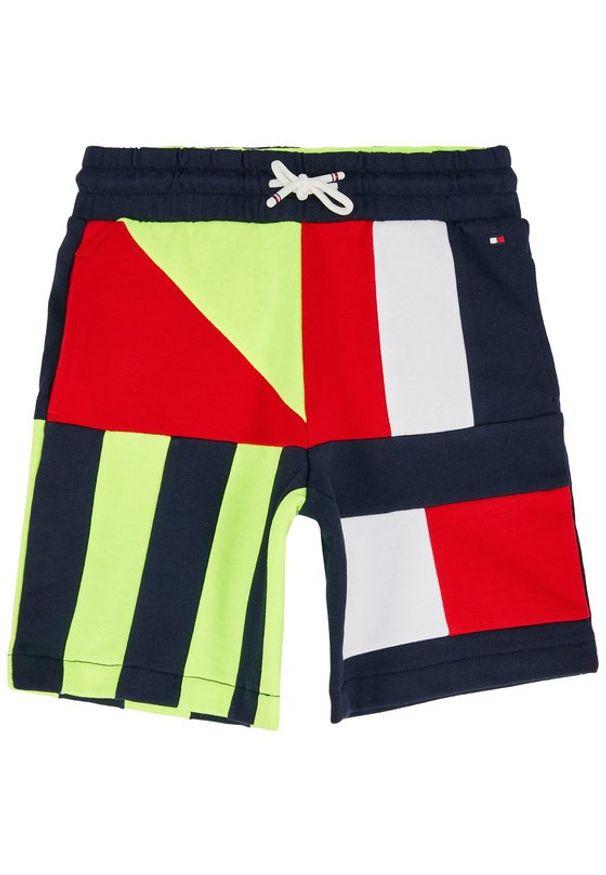 Spodenki sportowe TOMMY HILFIGER w kolorowe wzory