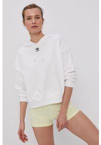 Biała bluza adidas Originals z aplikacjami, z kapturem