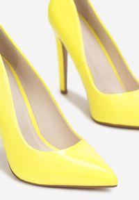 Born2be - Jasnożółte Szpilki Melona. Nosek buta: szpiczasty. Kolor: żółty. Materiał: lakier. Szerokość cholewki: normalna. Obcas: na szpilce. Wysokość obcasa: wysoki